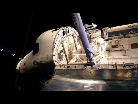 UP CLOSE HD FOOTAGE OF THE ATLANTIS SPACE SHUTTLE @ KENNEDY SPACE CENTER!