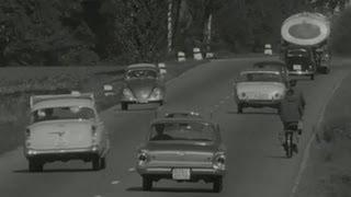 Tollkühne Autofahrer in den 60ern | SRF Archiv