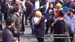 Bingöl'de HDP'nin nevruzunda bozkurt işareti yapan kızlar