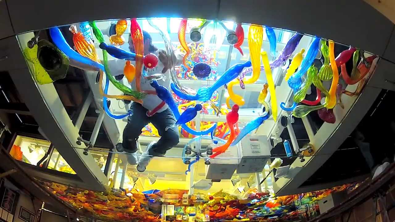 How to Clean the Dale Chihuly Pergola Ceiling  The