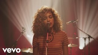 Izzy Bizu - Diamond (Future Sounds Session)
