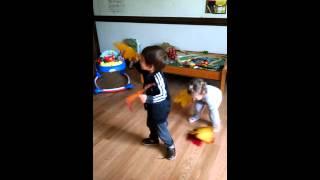 Русский детский садик Урок музыки (ОСЕНЬ)