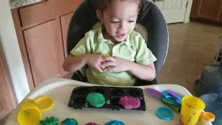 Making Spiders with Playdoh!!