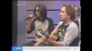 Slam - Rindiani dan Nur Kasih Live + Interview di MHI 25 Ogos 2016
