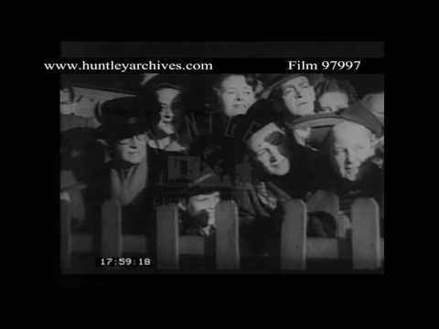 Immigrants arrive at Sydney, early 1950'se film 97997