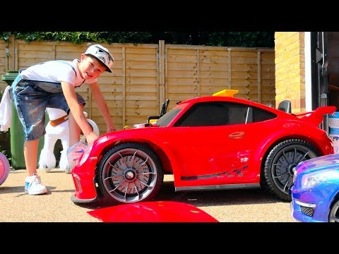 Макс ЧиНИт свои СЛОМАНЫЕ машинки или All Kids Toy Cars Are Broken And Max Try To Fix Them