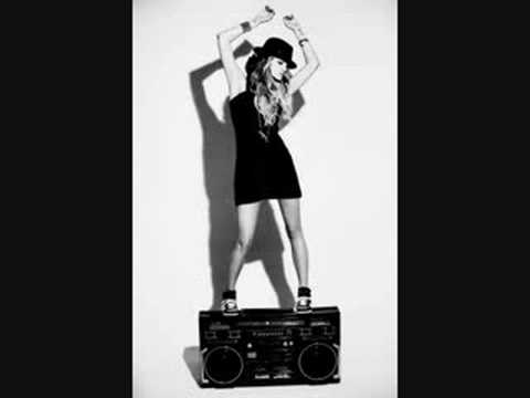 Ashlee Simpson-Boys!!! With Lyrics!!!