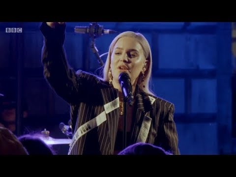Anne-Marie – 2002 live