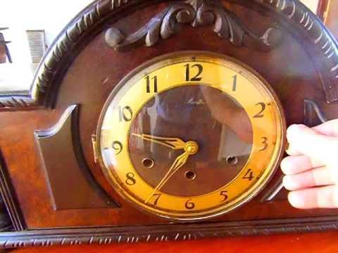 42e202b9220 Antigo Relógio de Mesa Alemão à corda