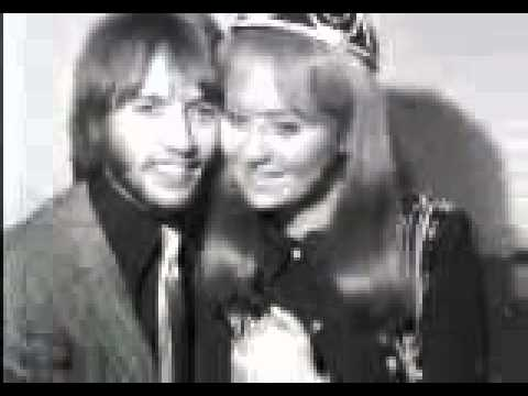 Short clip  Lulu  Maurice Gibb Announce Their Engagement