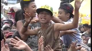 "Video Via Vallen "" Pergi Pagi Pulang Pagi "" - Gentara Garut (13/3) download MP3, 3GP, MP4, WEBM, AVI, FLV Oktober 2017"