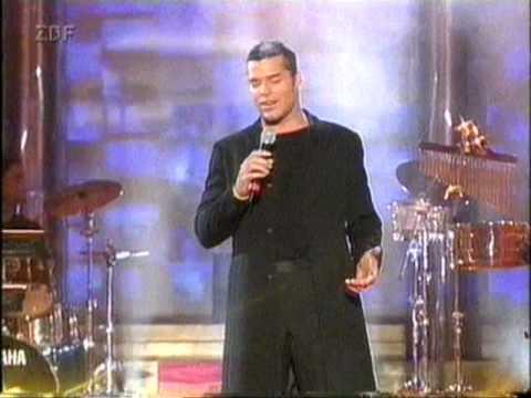 Ricky Martin 6. Februar 2001 Goldene Kamera - YouTube