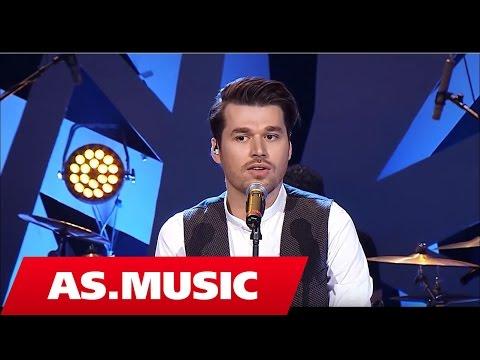 Alban Skenderaj - Tingujt E Ditarit Tim (Full Concert)