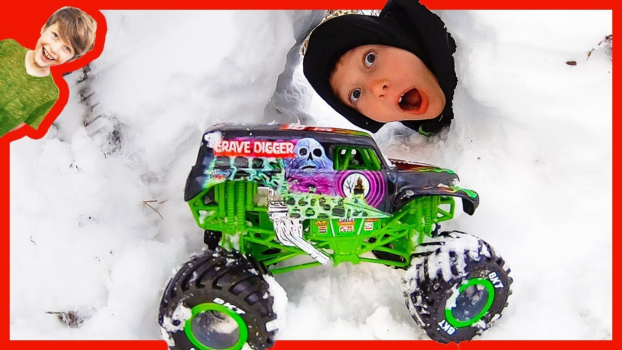 Axel And Daddy Monster Truck Snow Cave Youtube
