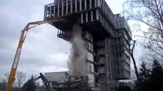 Wyburzanie budynku Ciech (Warszawa)