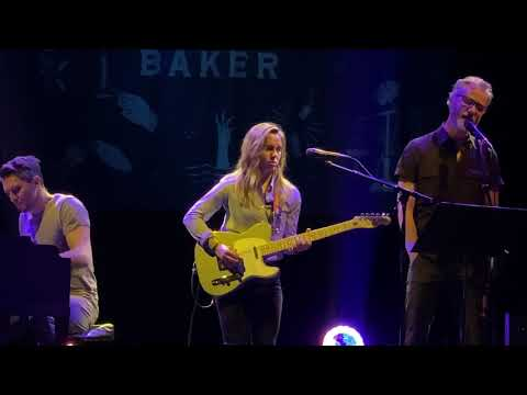 Julien Baker with Matt Berninger and Steph Altman - All I Want (Live)