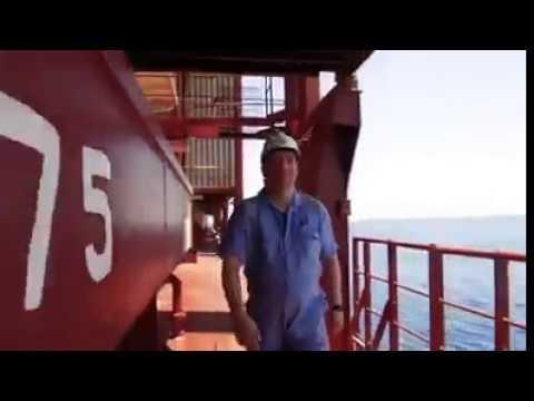 Một vòng quanh tàu Madrid Maersk