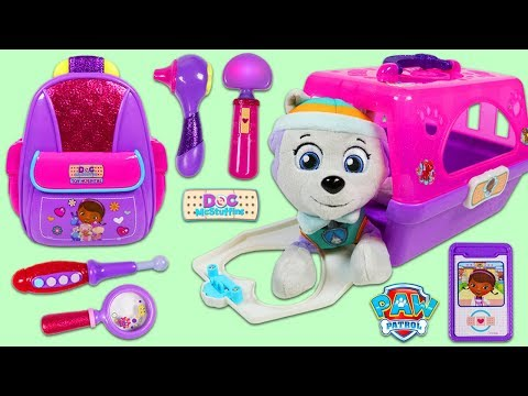 PAW PATROL Pup Everest Gets Help from Disney Jr Doc McStuffins First Responders Backpack Playset!