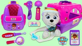 PAW PATROL Everest Gets Help from Doc McStuffins First Responders Backpack Playset!