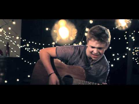 """J-14 Exclusive Video Premiere: Nick Dean """"Because You're Mine"""""""