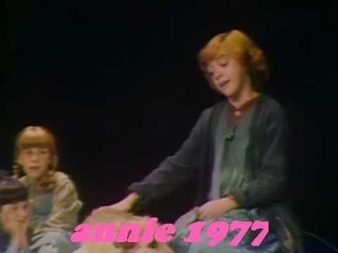ANNIE 1977 MUSICAL
