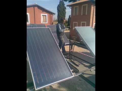 Pannelli solari termici a circolazione forzata youtube for Pannelli termici