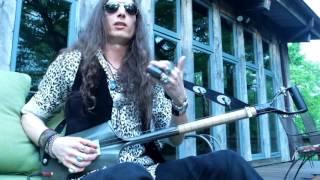 Download lagu Justin Johnson Explains How To Play The Shovel Guitar