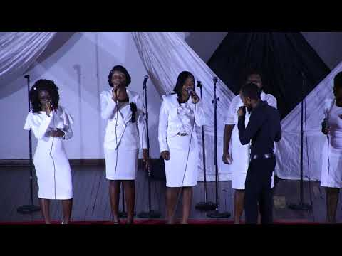 To God be the glory - Thee Family Music with amazing Female Bass Vocalist