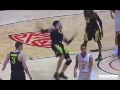 Worst Flop of All Time Goes to Oregon's Dillon Brooks? | ABC News