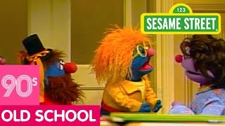 Sesame Street: Little Chrissy Sings Rock You to Sleep