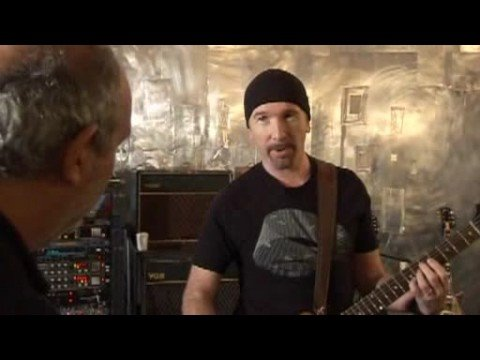 U2's The Edge demonstrating his guitar rig (1/2)