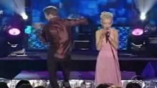 Ricky Martin Christina Aguilera LIVE WMA2001 Avi