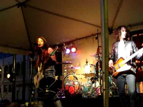 Halestorm- Bet You Wish You Had Me Back -live rock the block 6/13/09