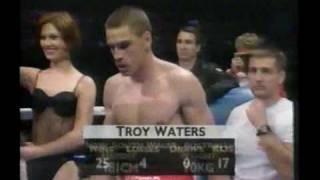 Lonnie Beasley vs Troy Waters a_to_AVI_clip0.avi