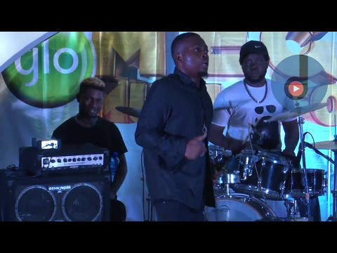 Olamide Thanked his Fans on Stage at GloMegaMusic 2017