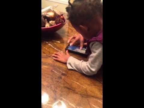 2 year old Rayne playing Temple Run