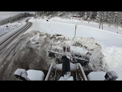 CAT 972M XE Wheel Loader snow removal with diagonal plow Drivex DB 4000