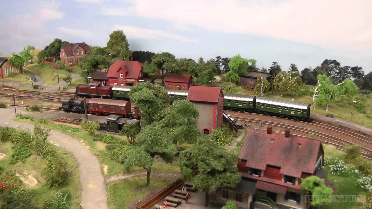 Z Scale Model Trains on an Amazing Model Railroad RR Layout