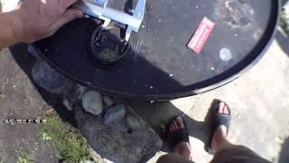 Как открутить пробку в 200 литровой бочке(В данном виде я покажу как с помощью куска трубы и болгарки можно сделать ключ для откручивания пробок в..., 2014-08-13T22:43:04.000Z)
