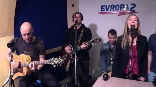 Evropa 2 Unplugged: CHINASKI & BÁRA HOSNEDLOVÁ feat. JINDRA EKL – Slovenský klín