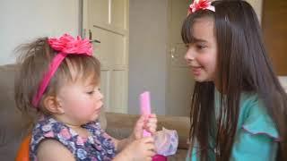 LAURINHA FINGE SER BABÁ POR UM DIA 👶  NOVA BEBÊ REBORN VIROU MENINA LEVADA - Pretend to play nanny!