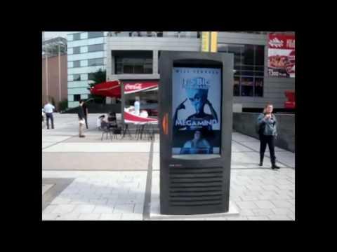 .內置急救設備還能自動報警 這是款能救命的數位廣告看板