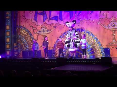 Oliver the superstar at Aladdin