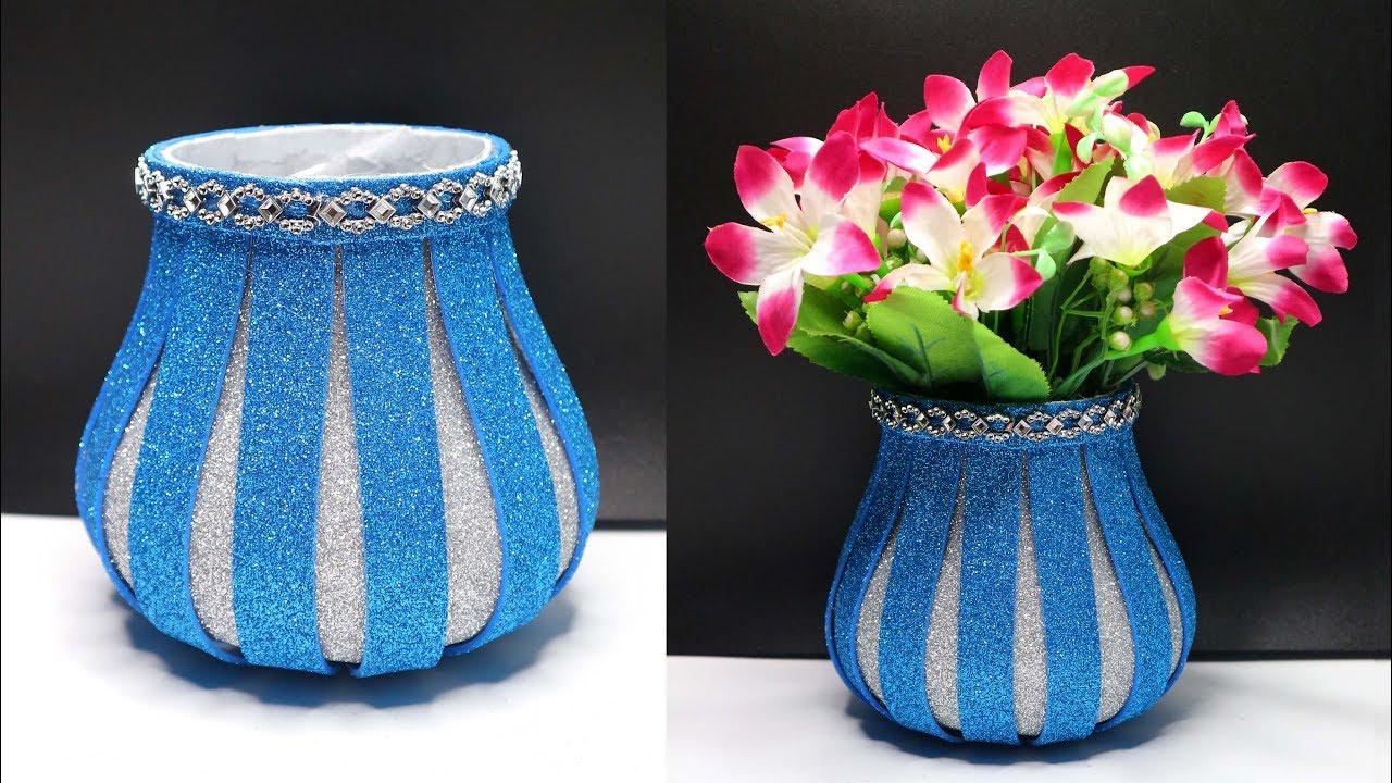 Ide Kreatif Vas Bunga Dari Botol Plastik Bekas Dengan Glitter Sheet Youtube