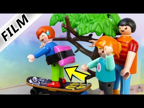 Playmobil Film deutsch   JULIANS MEGA PEINLICHER Skater Schutz   Hannah will kleinen Bruder schützen