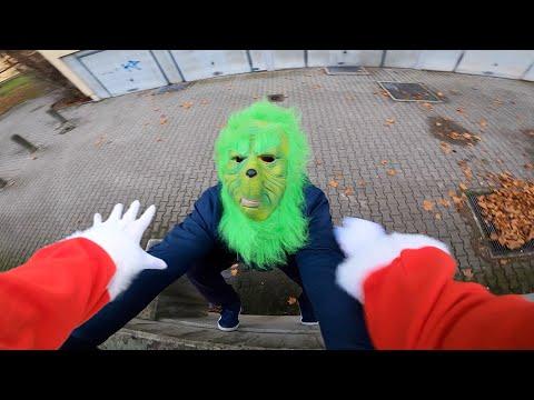Parkour Santa VS The Grinch | Parkour POV Chase II