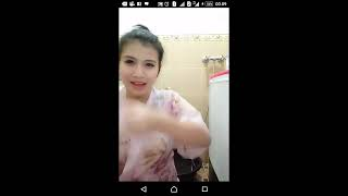 Video HOT !!! Lagi Mandi Keliatan Anunya download MP3, 3GP, MP4, WEBM, AVI, FLV Oktober 2018
