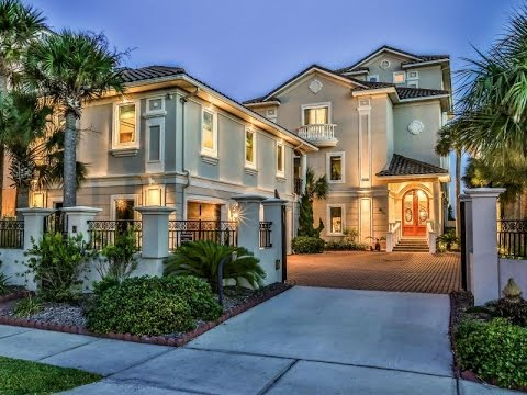 A True Living Masterpiece in Destin, Florida