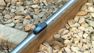 High SPEED Train destroyed NOKIA Mobile in seconds||Faizabad railway station crossing|Uttar pardesh thumbnail