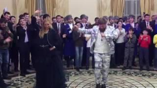 Татьяна Навка танцует с Рамзаном Кадыровым